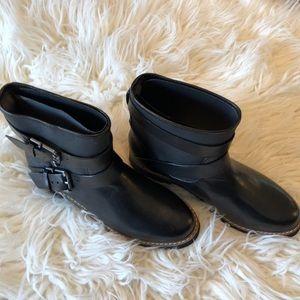 Aerosoles never worn black booties